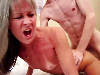 1fuckdatecom hot bitch gives nice blowjob 5