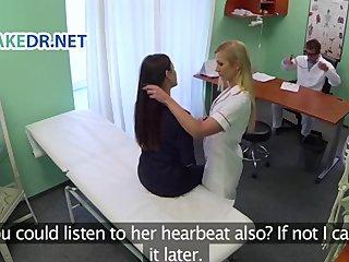 image Fakehospital fit enfermera chupa y folla body builder